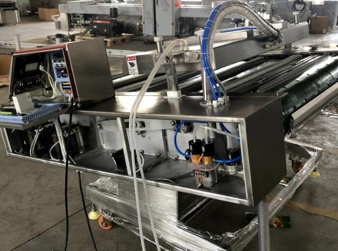 连续滚动式包装机在日常中应该如何进行维护呢?