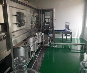 半自动桶装水灌装机